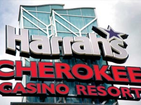 Harrah's extends casino closure