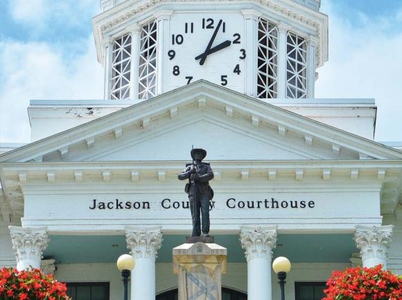 Public sounds off on Confederate monument