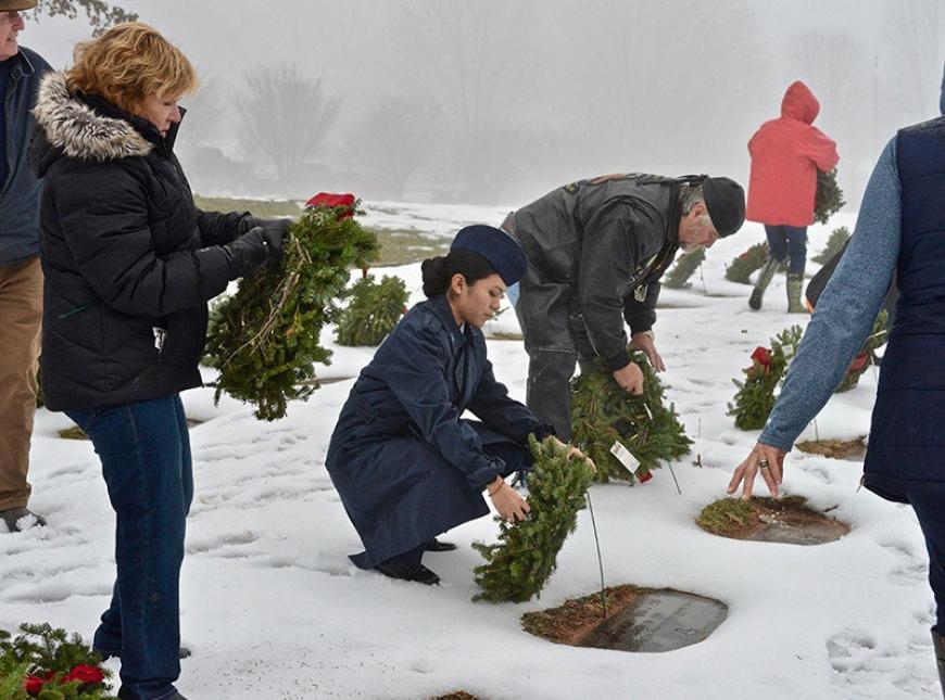 Order wreaths for deceased veterans by Nov. 15