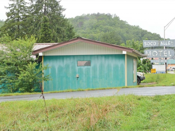 The vacant motel building will be demolished and the property redeveloped. Holly Kays photo