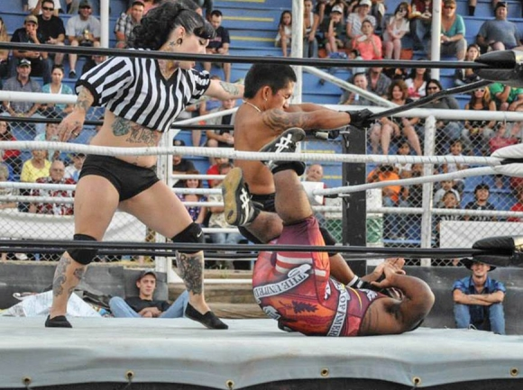 No small feat: Dwarfs wrestle with perception, performance