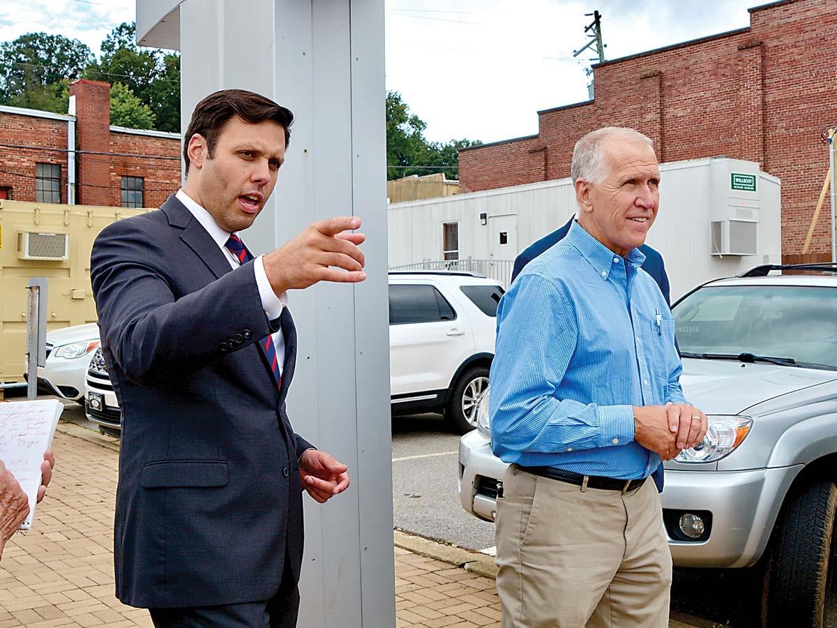Canton Mayor Zeb Smathers (left) talks with  Sen. Thom Tillis in Canton on Sept. 16. Cory Vaillancourt photo
